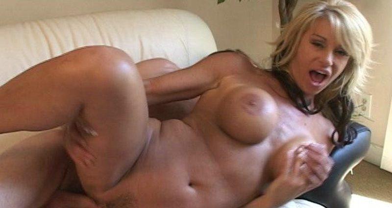 Myfriendshotmom.com – Kat Kleevage Kat Kleevage 2005 Fake Tits – XXX online